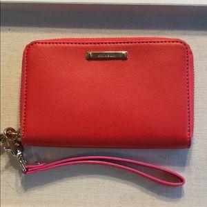 Chelsea tech wallet- poppy